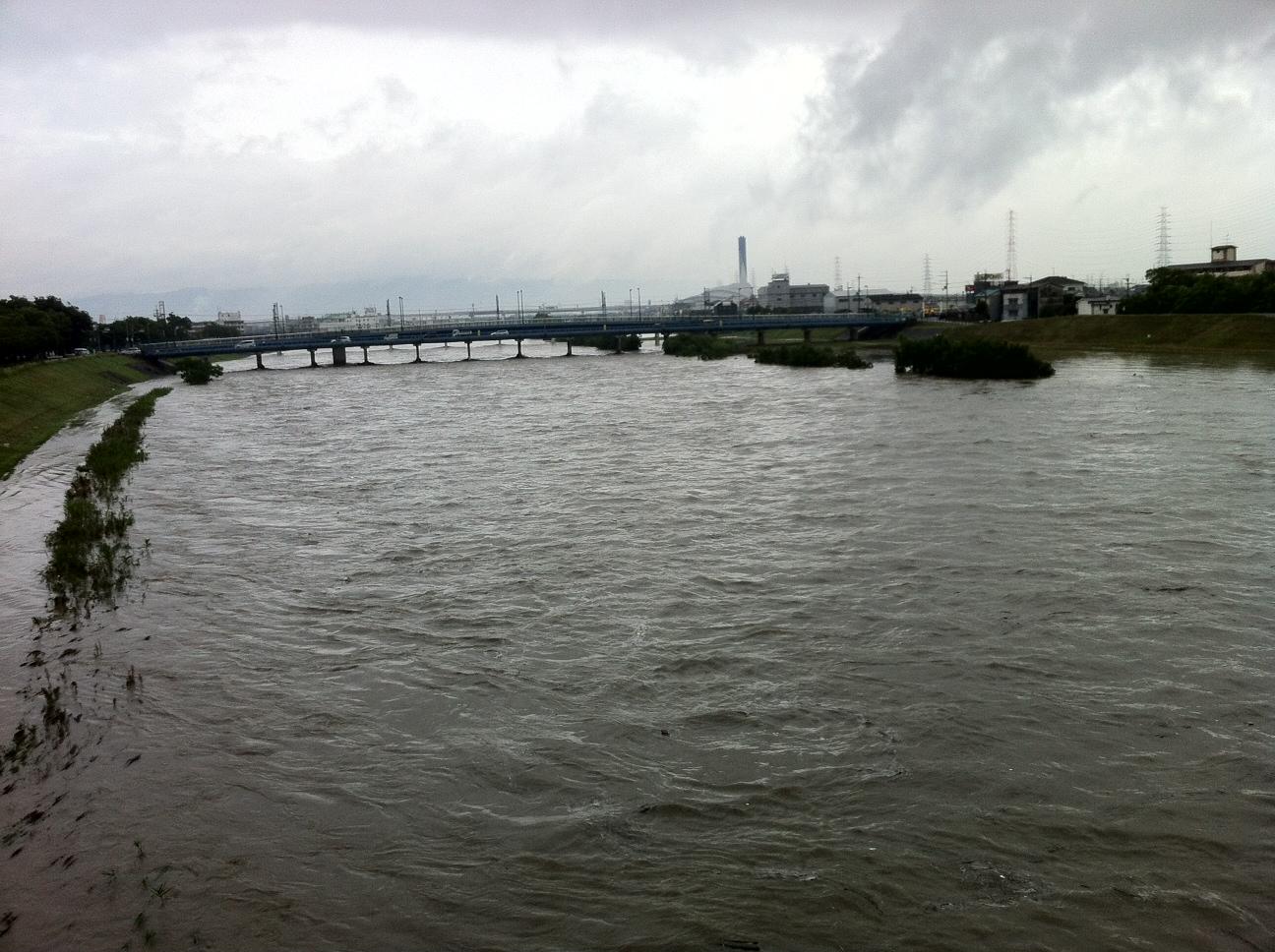 大和川 避難警告